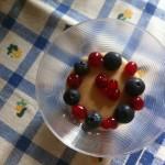 Crema di riso vegan con frutti di bosco