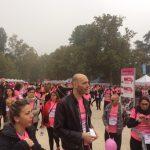 La Pink parade è tutta rosa, ma con partecipanti diversissimi tra loro.