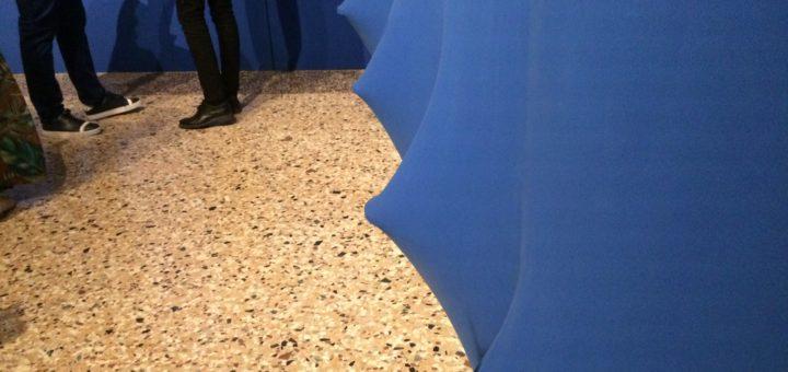 Agostino Bonalumi, Ambiente blu